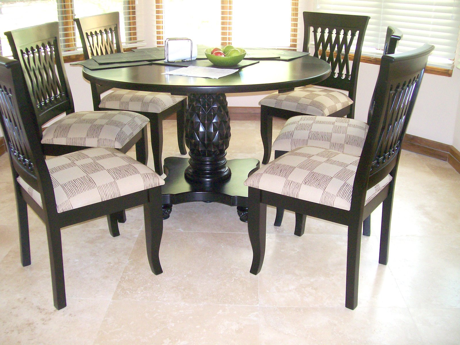 Fine Dining Room Tables And Chairs: Fine Furniture Of Sarchí